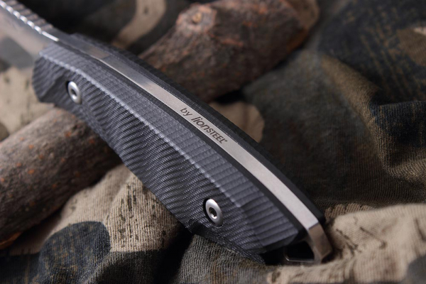 Hardy Black by Lionsteel